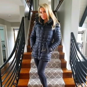 Burberry Puffer Belted Coat Black